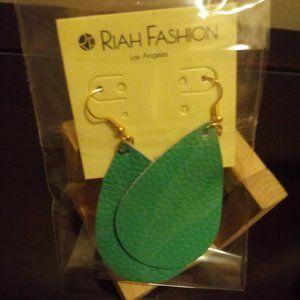 🇺🇸 3/$30 Turquoise Teardrop Leather Earrings